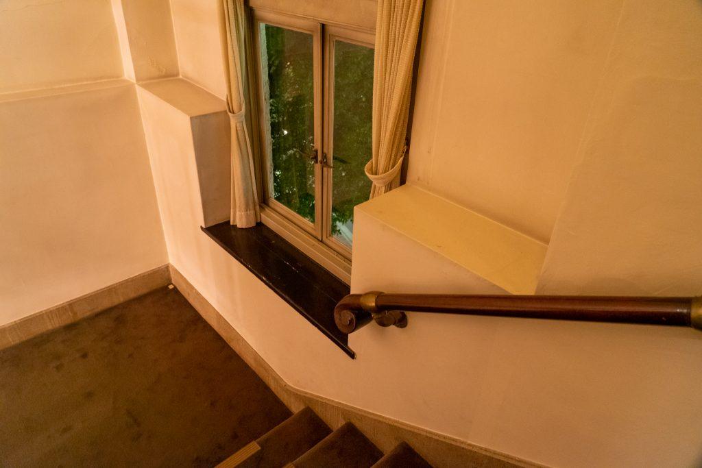 宝塚ホテルの階段