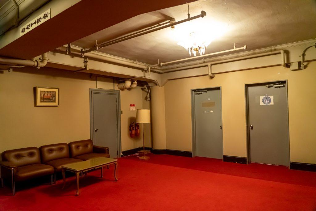 宝塚ホテルの4階エレベーターホール