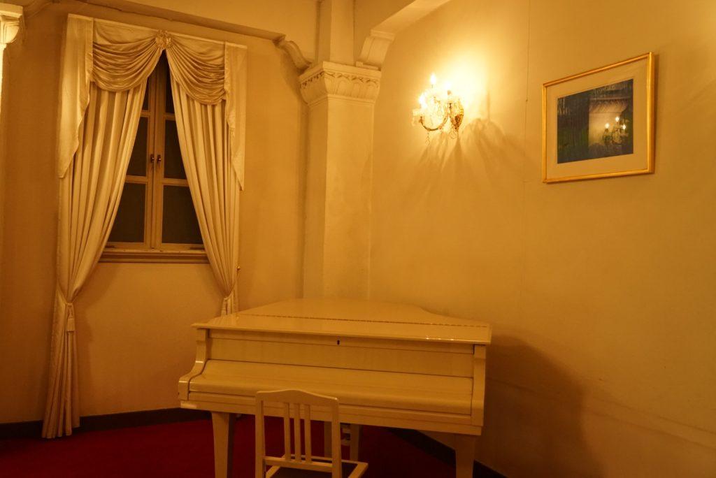 宝塚ホテルの内装